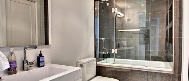 Rénovation de salle de bain, nouveau lavabo